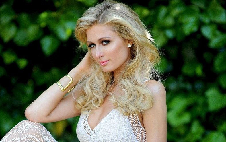 Paris Hilton Net Worth, Family, Life